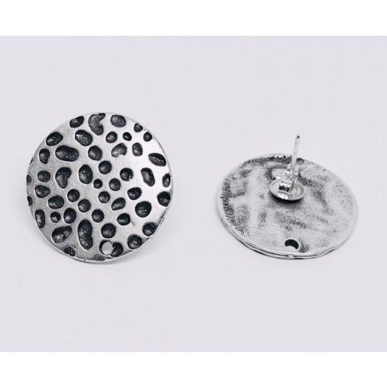 Boucles d'oreilles à clous avec plateau martelé