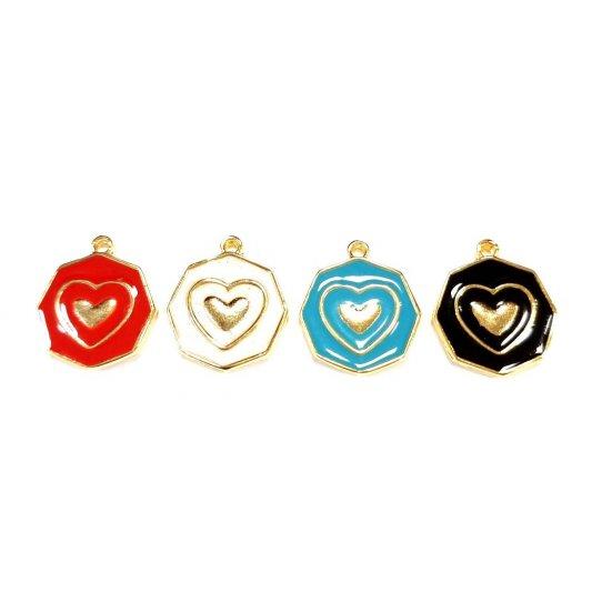 Pendant médaille hexagonale coeur en laiton émaillé