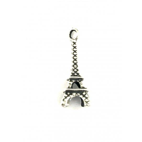 La petite tour Eiffel en pendant