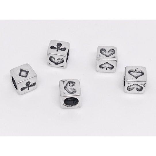 Perles cube motif jeu de cartes diam trou 4mm