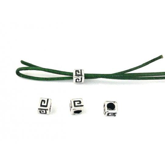 Cube 4mm motif grec trou 2.5mm
